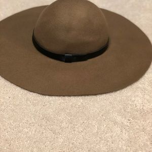 Tan colored floppy hat